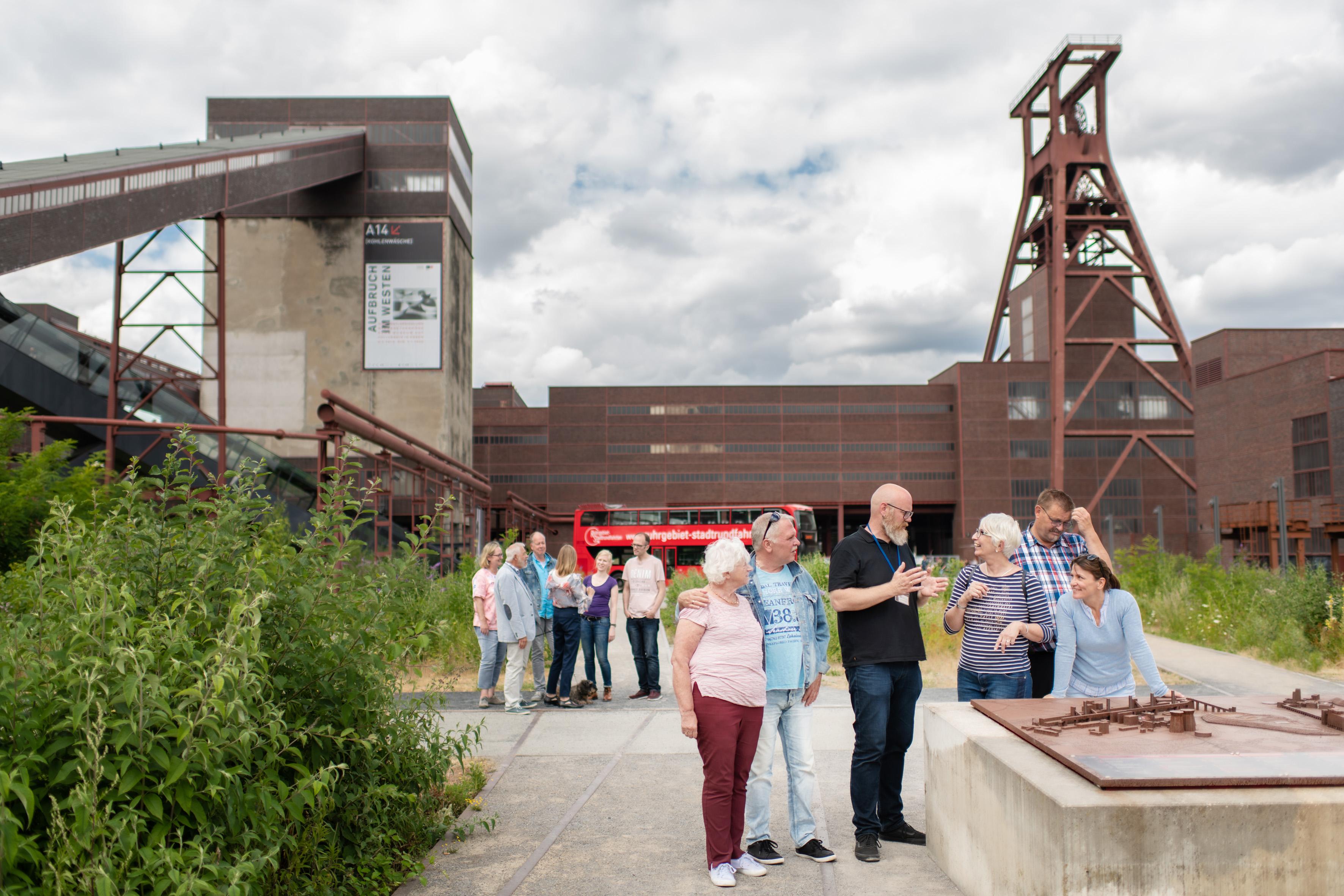 Zeche Zollverein mit Gästen